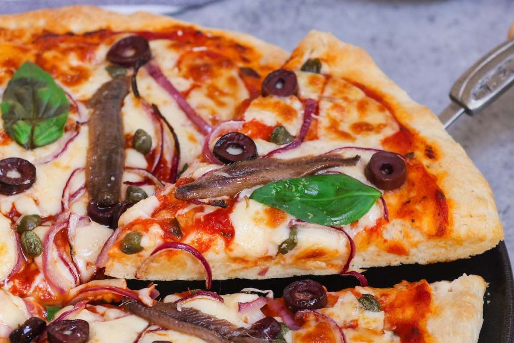 Best homemade anchovy pizza