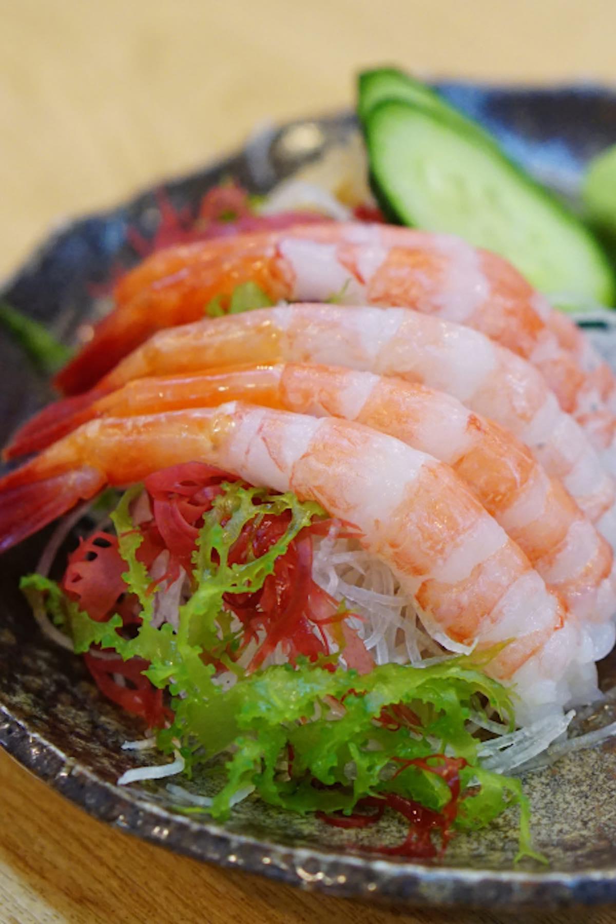 Amaebi means sweet shrimp in Japanese. It's one of the most popular dishes among sushi lovers. Amaebi is often served raw as amaebi sashimi, amaebi sushi, or amaebi nigiri. Alternatively, you can make shrimp tempura, grill it. In this post you'll learn everything about ama ebi (ebi shrimp), and how to make sweet shrimp sashimi. #amaebi #amaebiSushi #shrimpSashimi#sweetShrimp