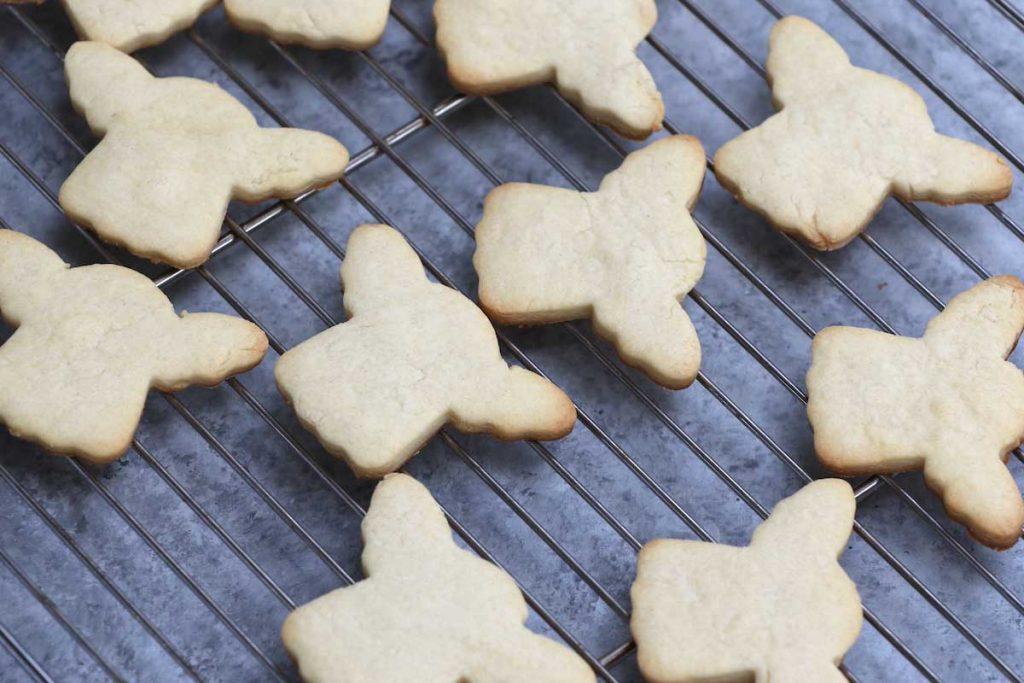 Baby yoda cookies recipe: photo showing freshly baked baby yoda cookies.