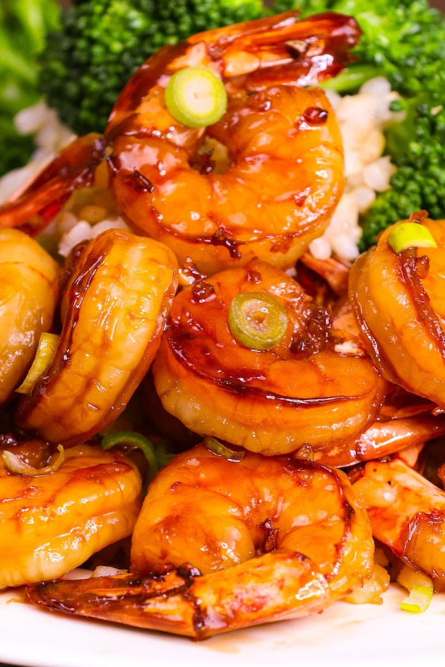 Looking for side dishes to serve with shrimp? We've collected some quick and easy side dishes for shrimp, from veggies, salad, to potatoes, rice, and more. Whether you're having BBQ shrimp, boiled shrimp, or grilled shrimp, I'm sure you'll find something you like from this list.