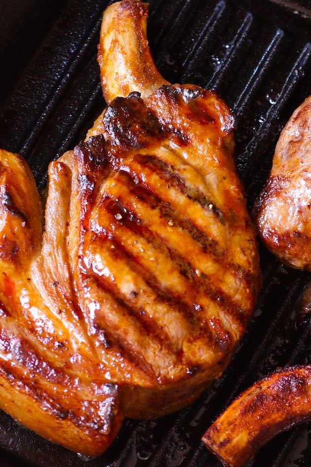 I've rounded up the 26 best pork chop recipes, all of which are pretty easy, and mouth-watering delicious. Grilled, oven-baked, stove-top, boneless, and bone-in – so many choices – enjoy!