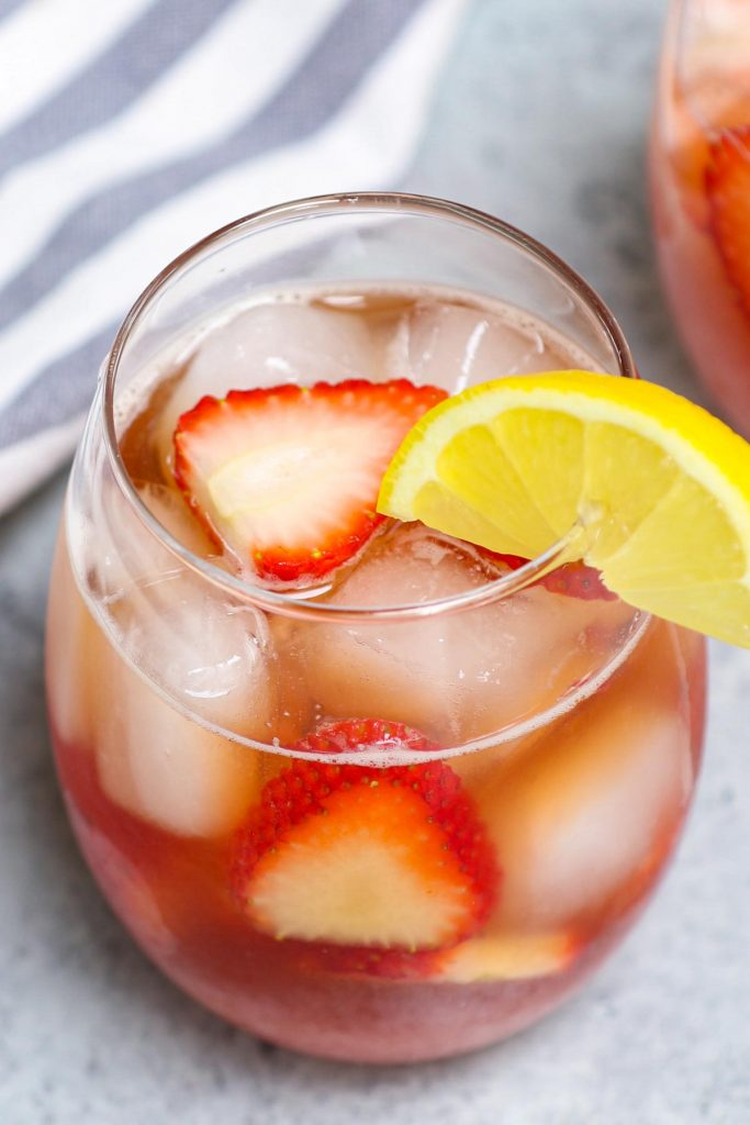 Strawberry Hennessy is the flavor combo you never knew you needed. The rich, smooth taste of cognac, paired with bubbly champagne and sweet strawberry syrup is incredibly refreshing and delicious. If you like to get lit with a fruity margarita cocktail, you're sure to enjoy this one!