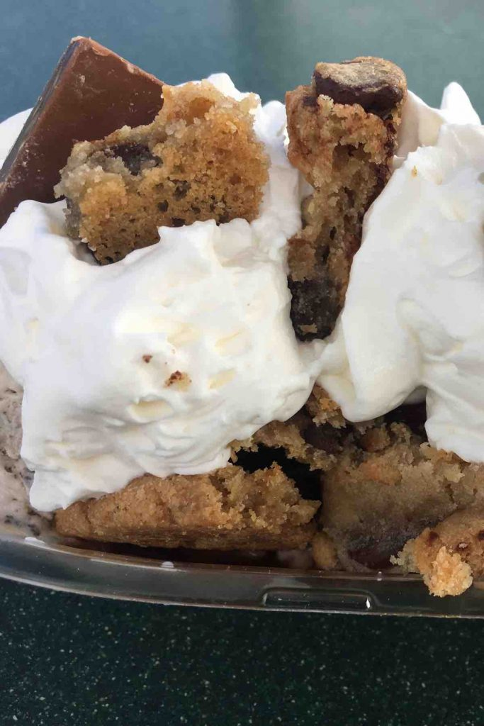I Scream, You Scream, we all scream for ice cream! With the hot days ahead, we've got 10 Best Ice Cream Sundae ideas that will cool you down, fill you up and satisfy all of those cravings! From hot fudge to strawberry, banana split, and chocolate, we will walk you through some of the best sundaes to enjoy!!