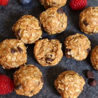 No Bake Oatmeal Cookies are irresistible snacks with a soft texture and cookie dough flavors. Perfect for on-the-go breakfast or parties.