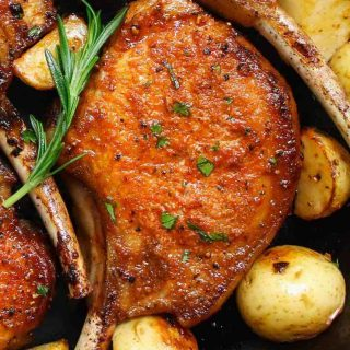 We've collected 16 Best Sides For Pork Chops that are easy to make at home. From veggies to rice, potatoes, and pasta, these side dishes are our favorites, and go well with both bone-in and boneless pork chops!