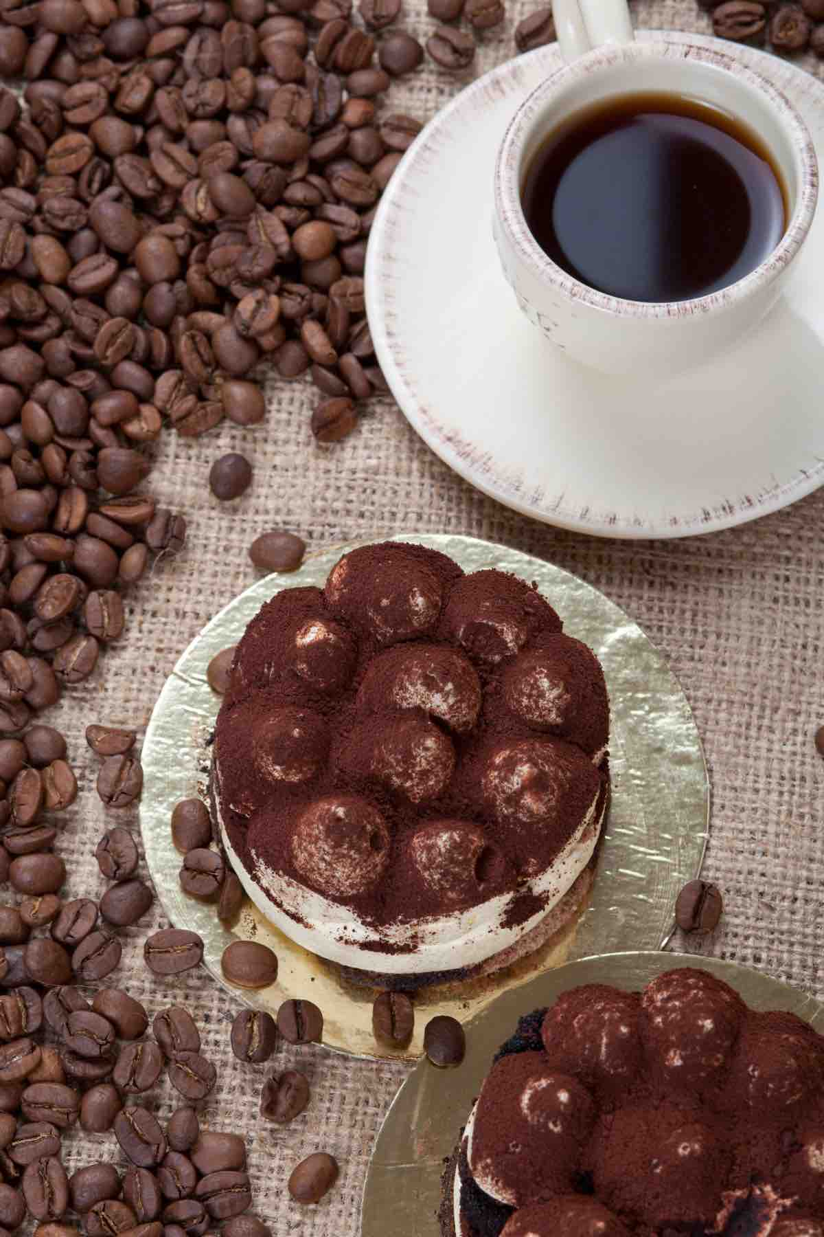 These 20 Best Coffee and Dessert Recipes are easy to create at home and are so delicious that you will want to try them all. From the heavenly mocha fudge cake to the mouth-watering coffee cake muffins, these desserts are perfect for a Sunday morning brunch or an afternoon tea party.