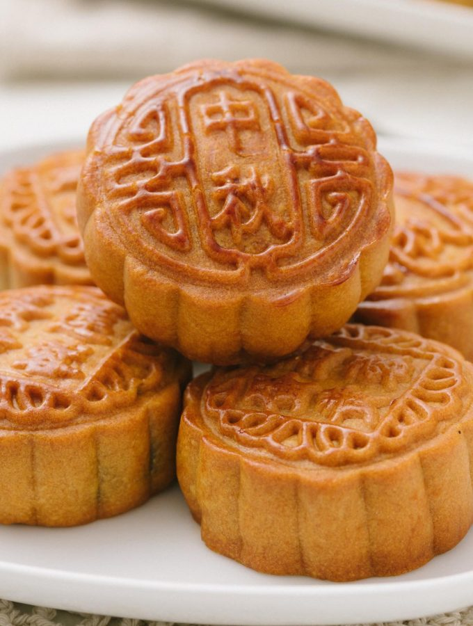 A mooncake (月饼)is a traditional Chinese pastry that is eaten during the Mid-Autumn Festival celebrations. As this pastry is so often associated with the festival, the event is also called the Moon Cake Festival. We've collected 15 Easy Mooncake Recipes that you can make at home this year!