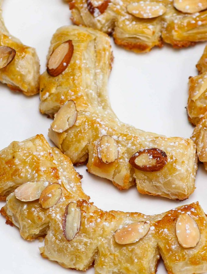 of these sweet treats brings a delicious burst of nutty almond flavor – perfect for breakfast, brunch or afternoon tea.