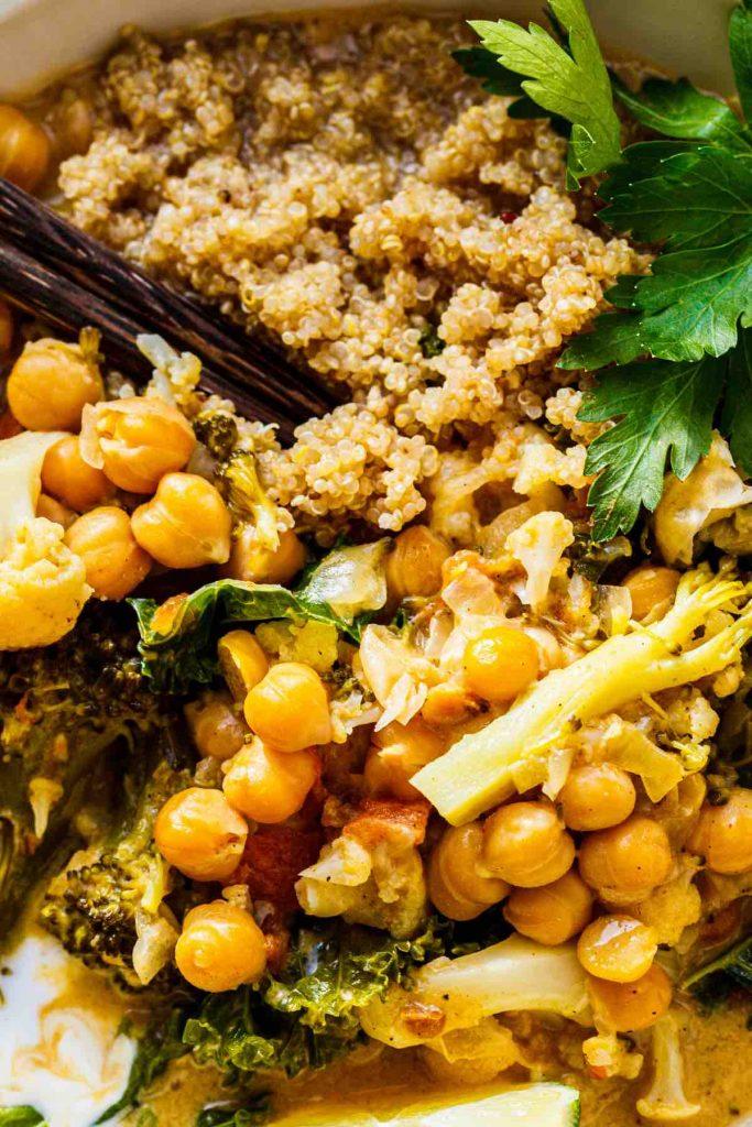 Chickpea Quinoa Bowl