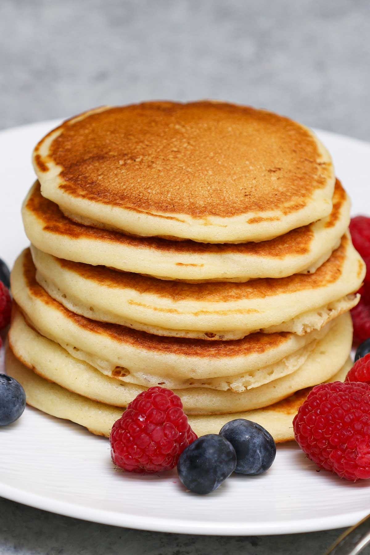 Freshly cooked griddle cakes
